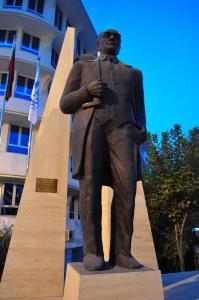 Ankara - estátua do Ataturk.
