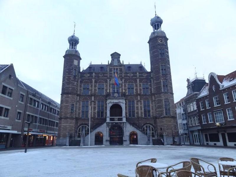 Venlo Holanda - Praça Centra Maarkt e Catedral da Cidade