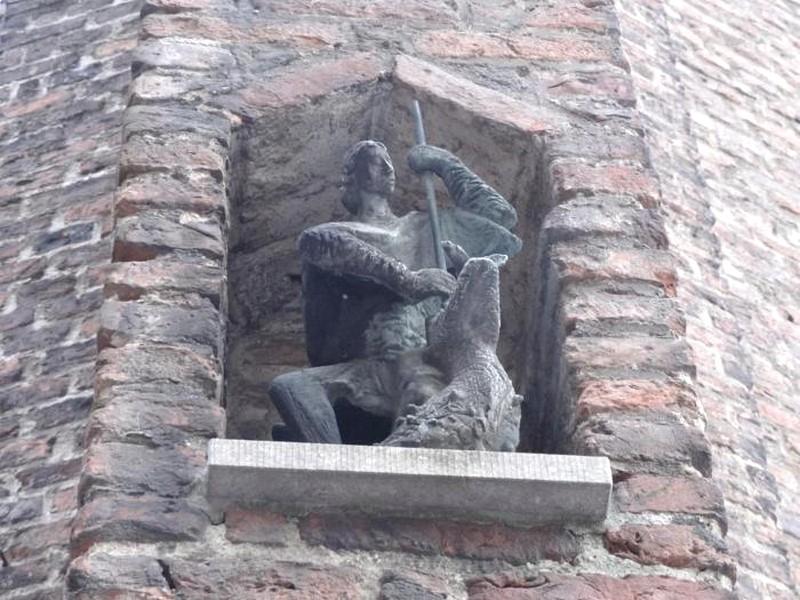 Venlo Holanda - Praça Centra Maarkt, Catedral da Cidade e São Jorge