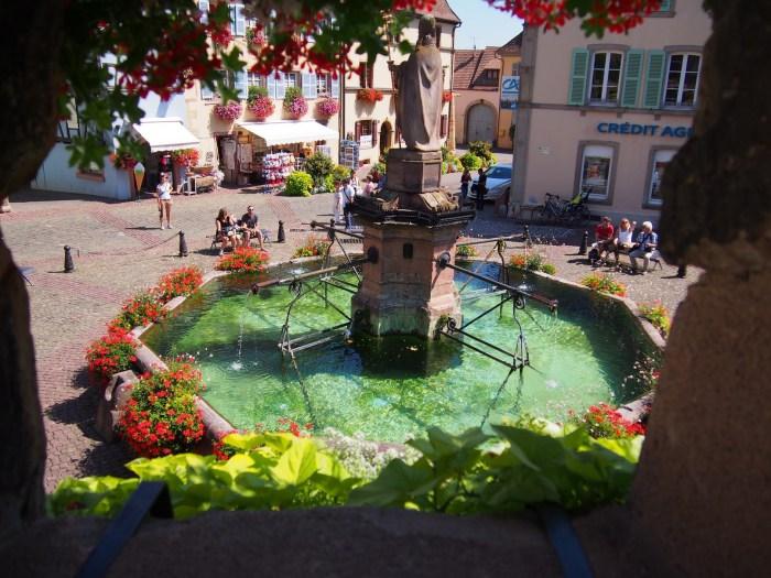 As Mais Belas Vilas da França - Eguisheim uma das Les Plus Beaux Villages de France na Alsácia, França