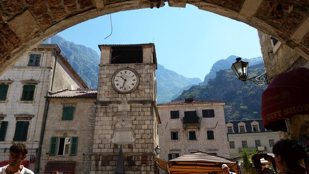 Kotor Montenegro - Entrada principal e praça do relógio