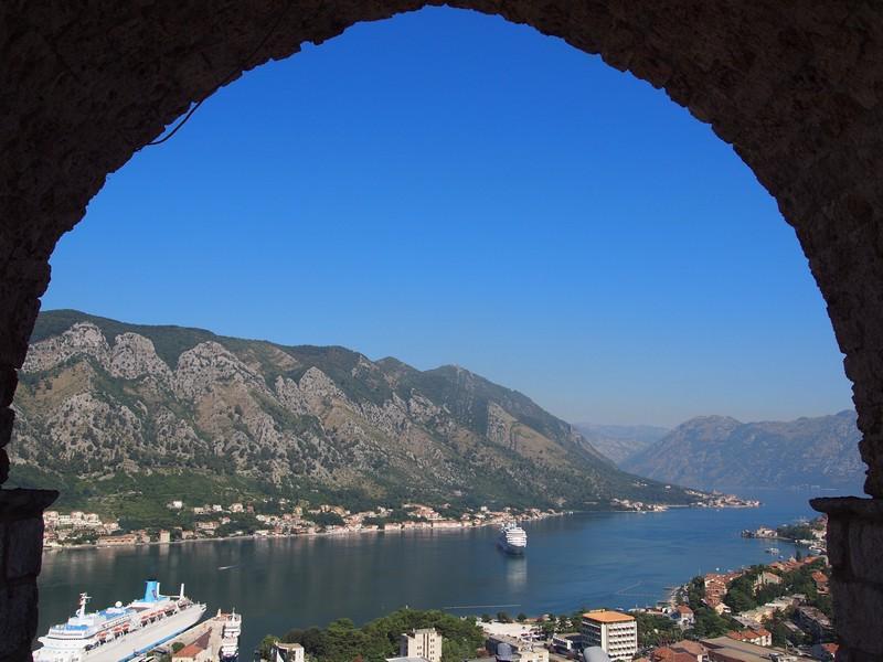 Kotor Montenegro - Caminhando pela muralha antiga de Kotor e sua vista maravilhosa