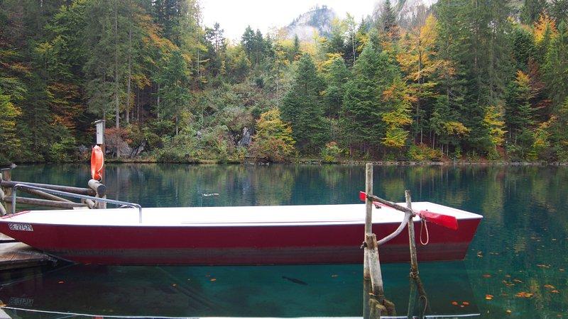 Lago Blausee Suíça - O lago Blausee e sua cor azul turqueza