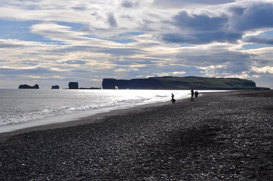 Praia de Areia Preta Islândia - Praia de Reynisfjara em Vík í Mýrdal